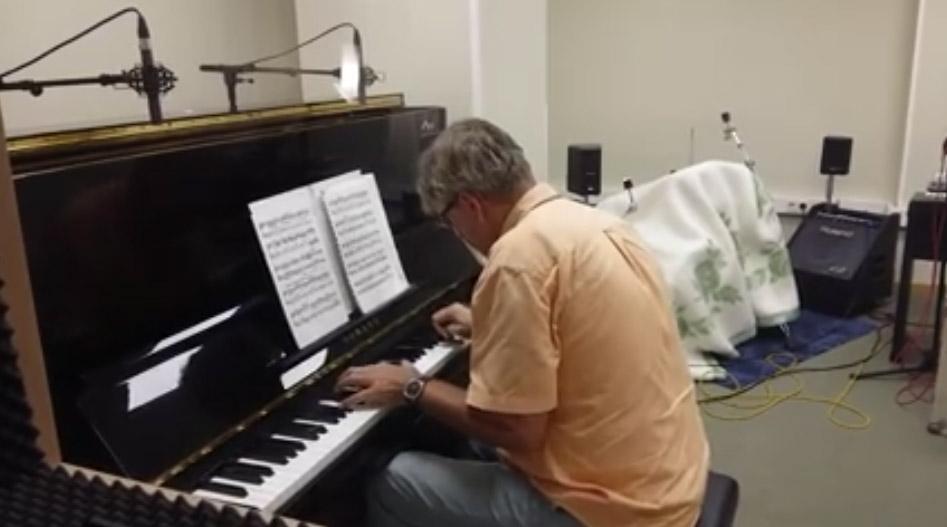 Gennady Dzyubenko - piano - el local estudi de gravacio bescano
